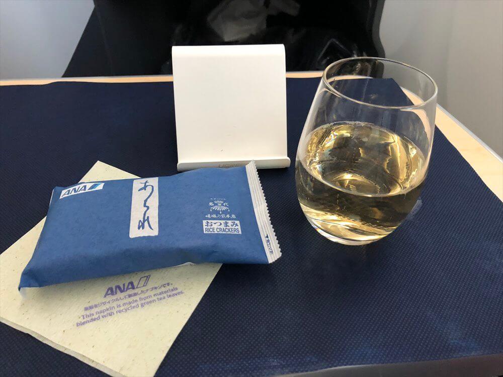 ANA858便のシャンパン