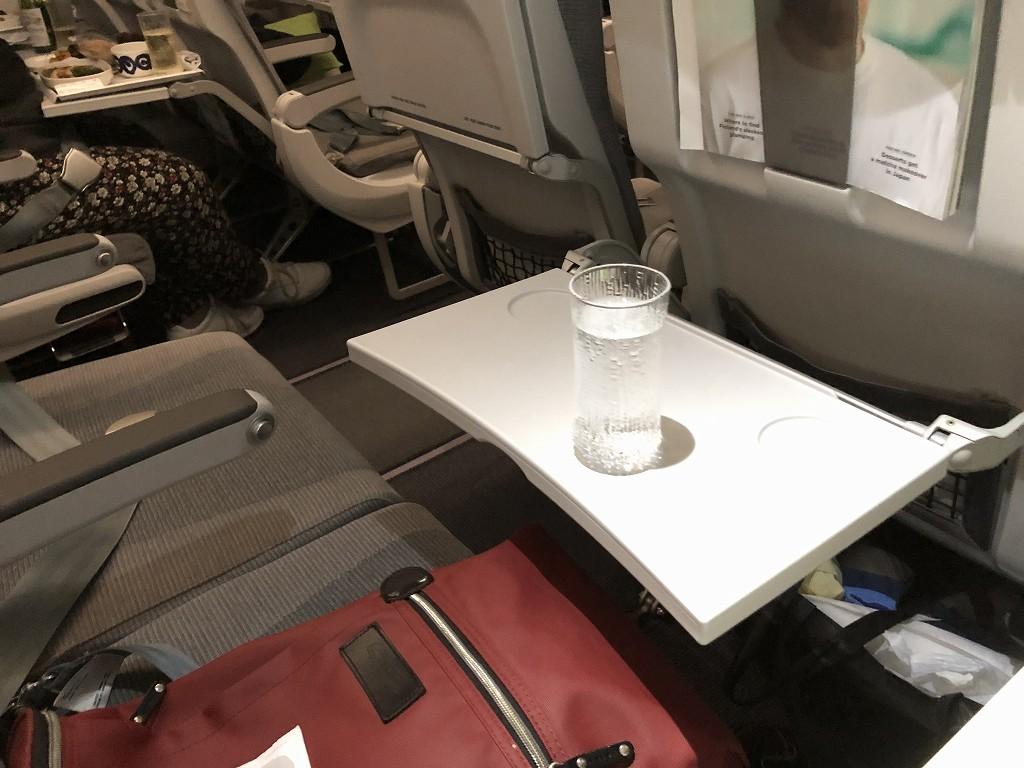 フィンエアーAY1652便のビジネスクラスの機内食2