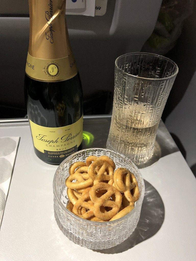 フィンエアーAY1652便のビジネスクラスの機内食3