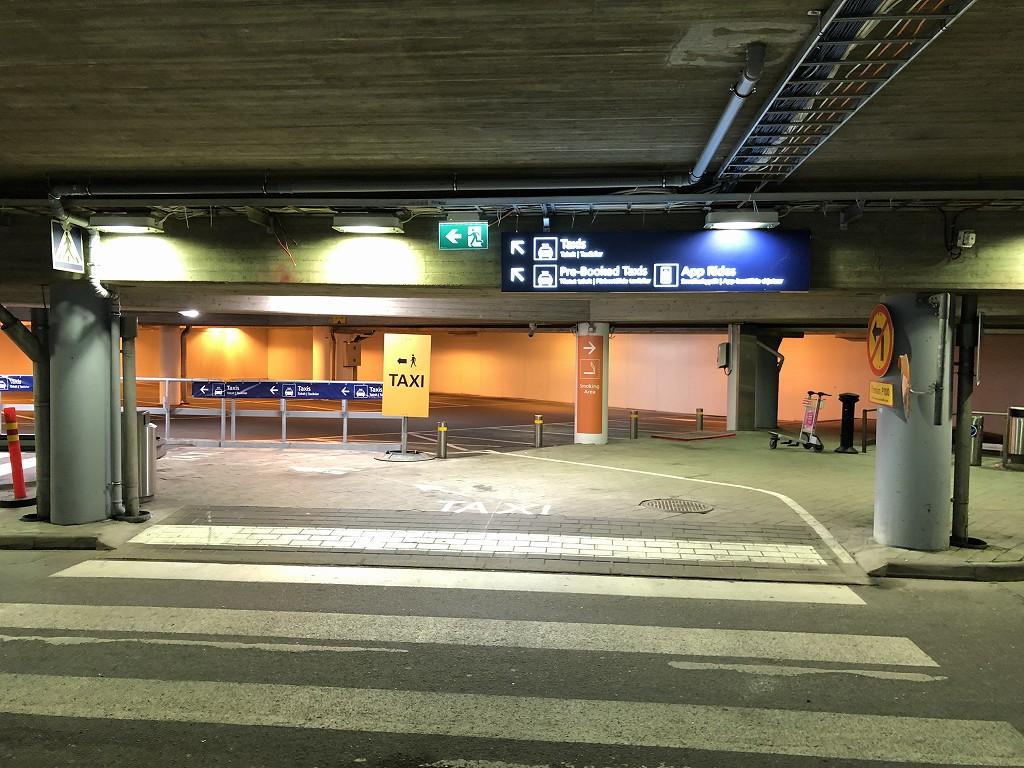 ヘルシンキ・ヴァンター空港のタクシー乗り場1