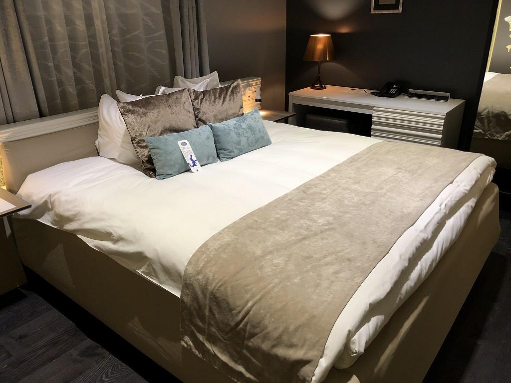ヘルシンキ・クラウスKホテルのPassion Miniのベッド
