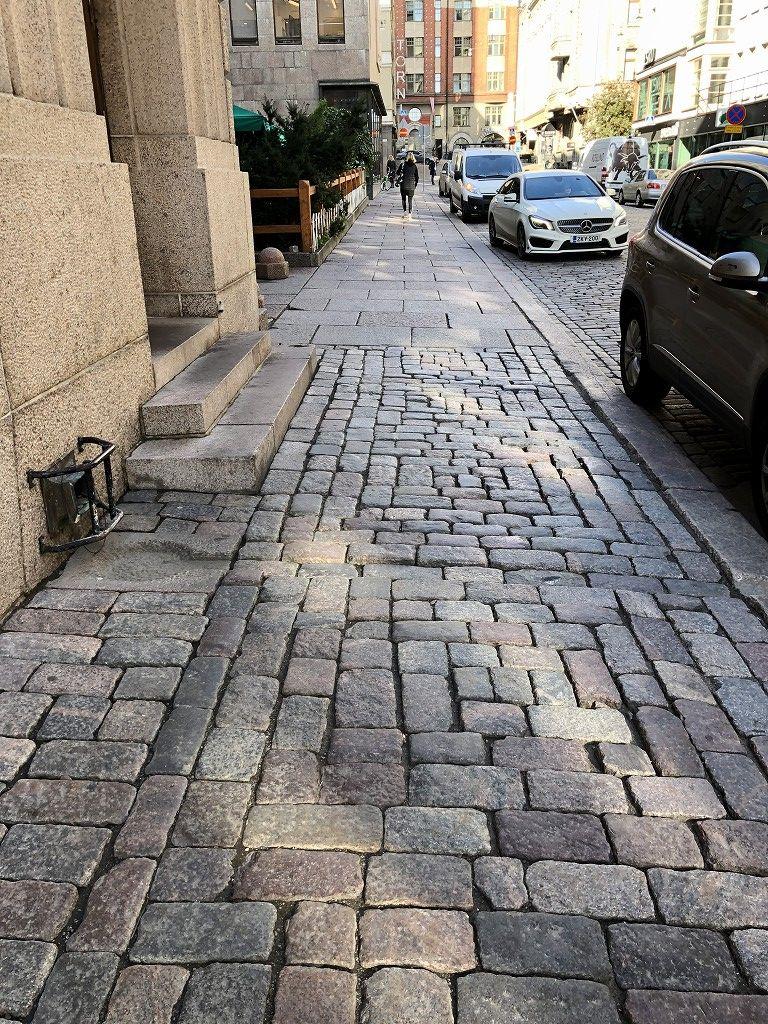 ヘルシンキの石畳の歩道
