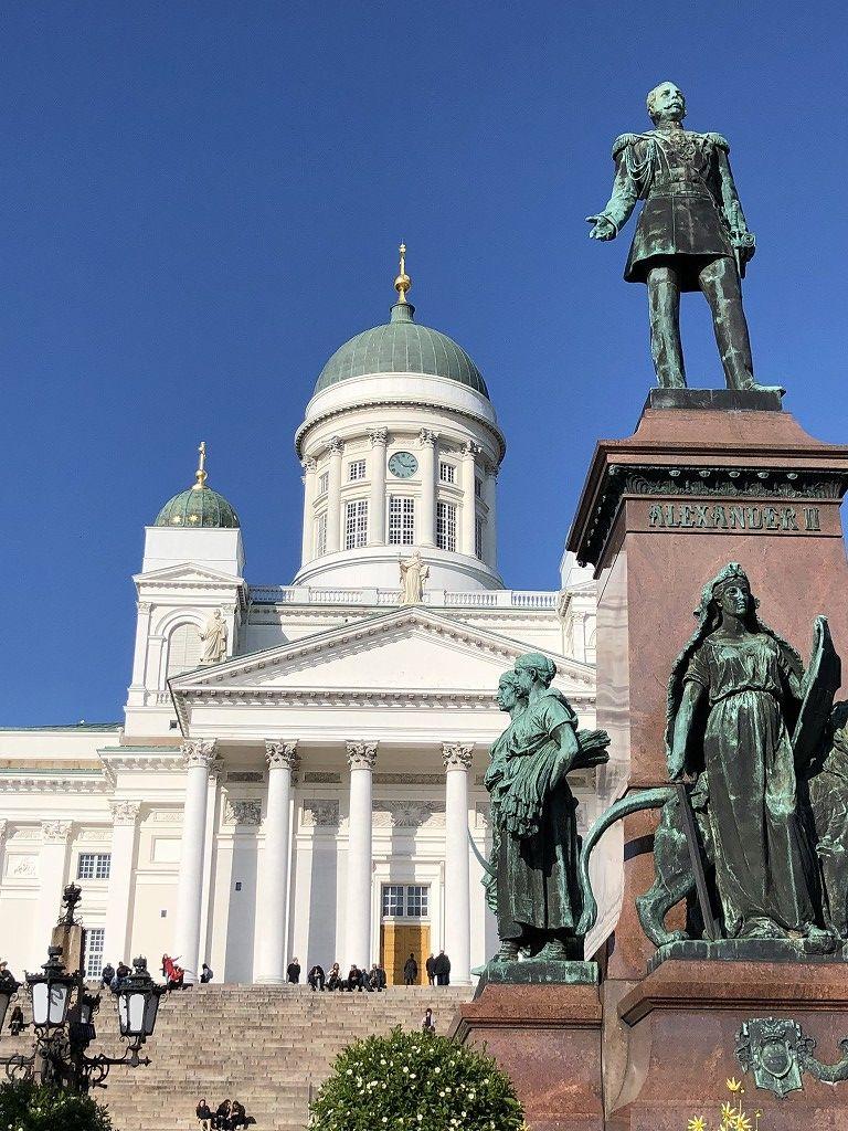 ヘルシンキの元老院広場にあるロシア皇帝アレクサンドル二世