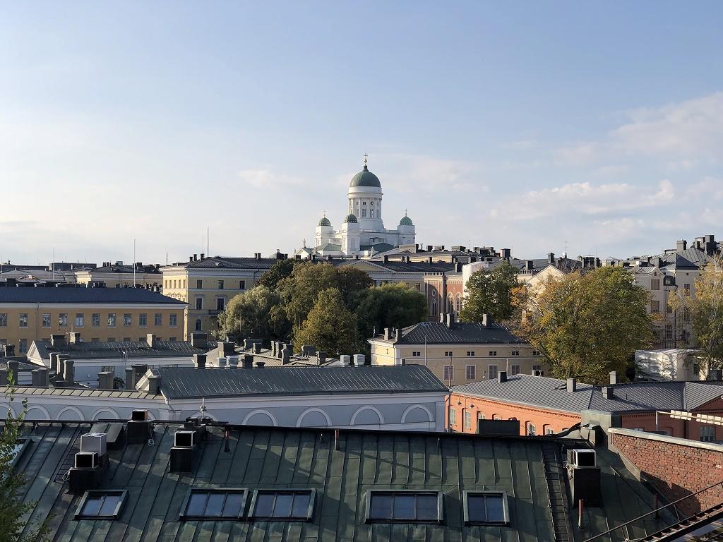 ヘルシンキのウスペンスキー寺院からヘルシンキ大聖堂