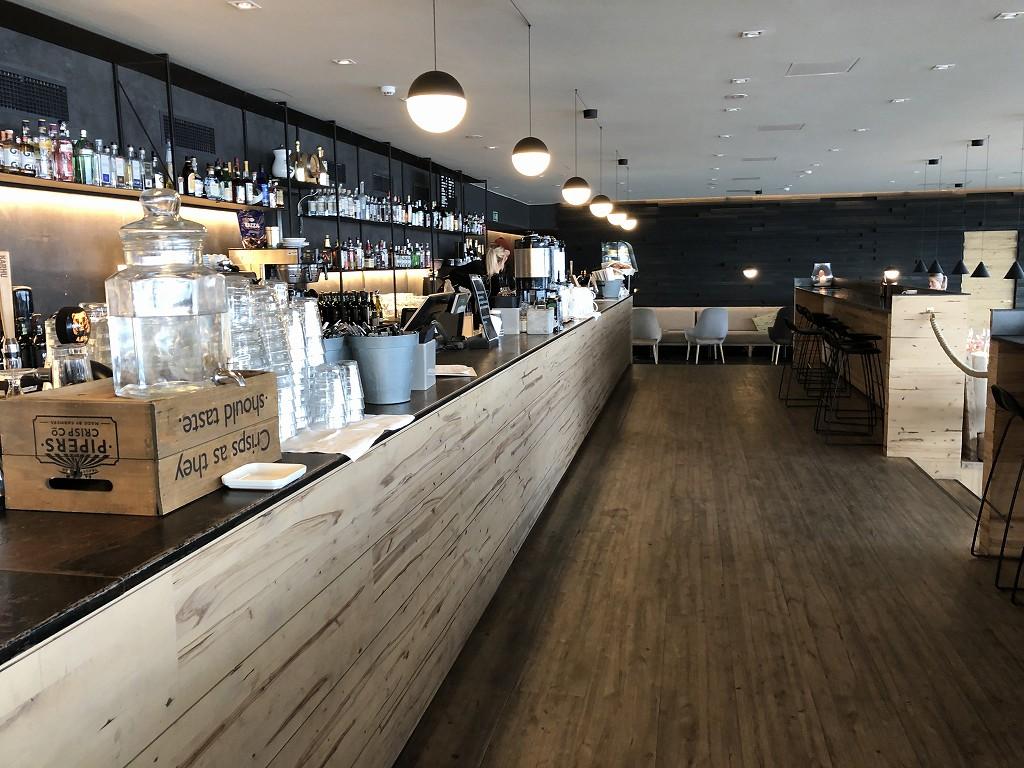 ヘルシンキのサウナ「ロウリュ」の併設レストラン1