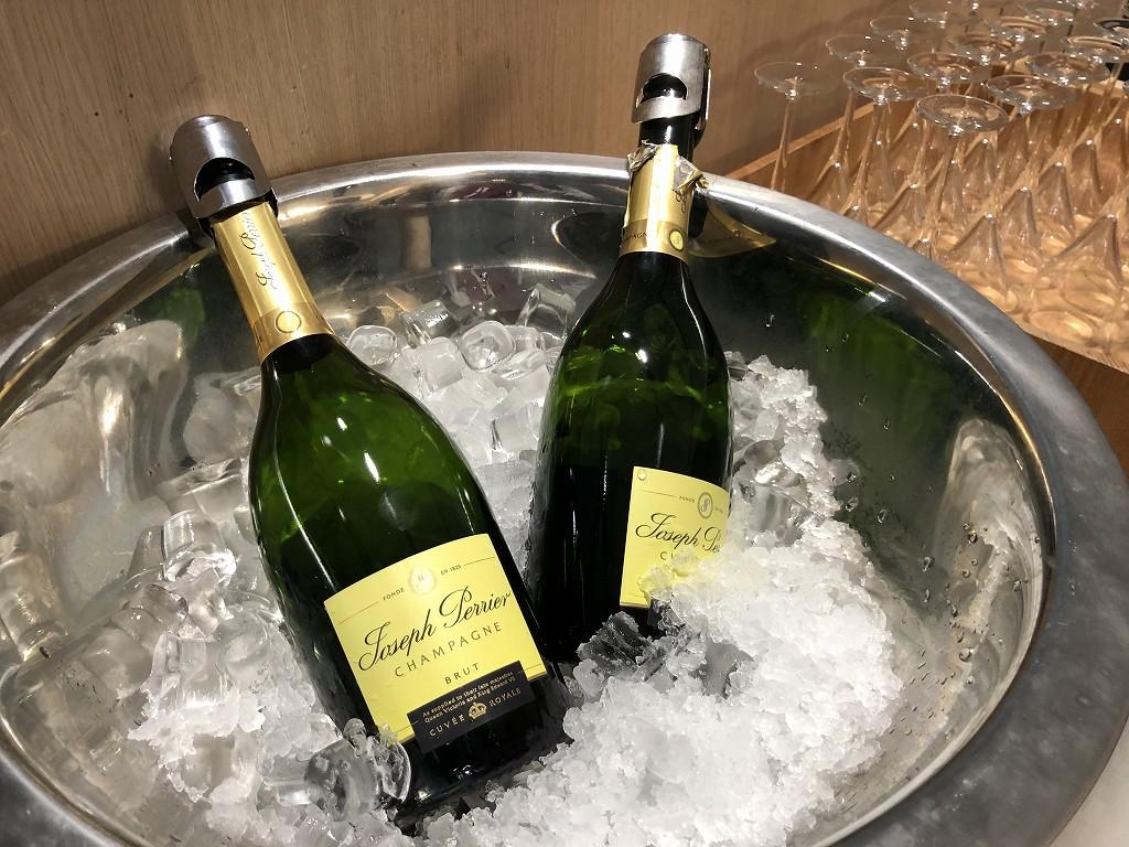 ヘルシンキヴァンター空港のシャンパン