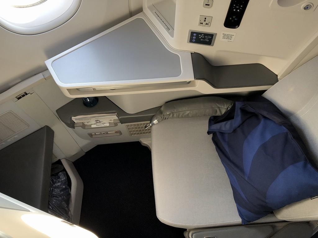 フィンエアーAY41便ビジネスクラスの座席4