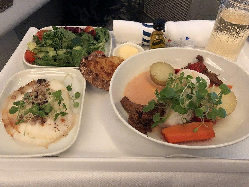 フィンエアーAY41便ビジネスクラスの機内食2
