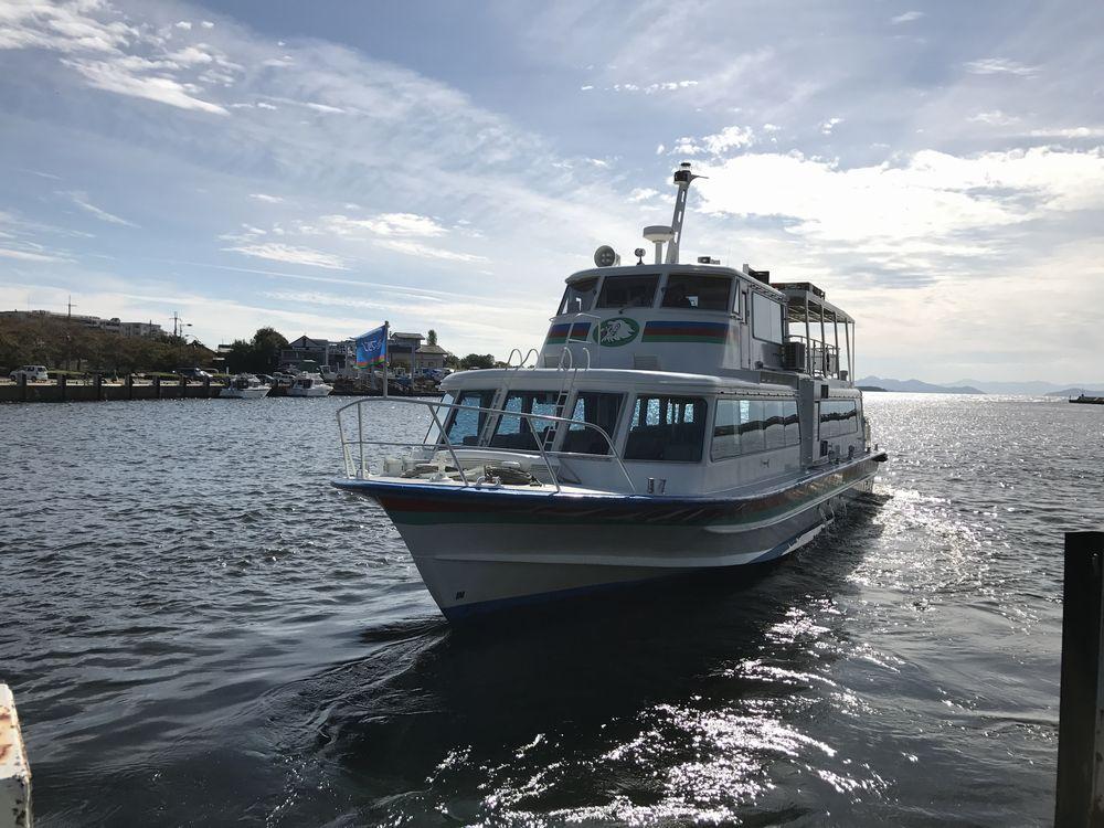 彦根港から遊覧船の出港