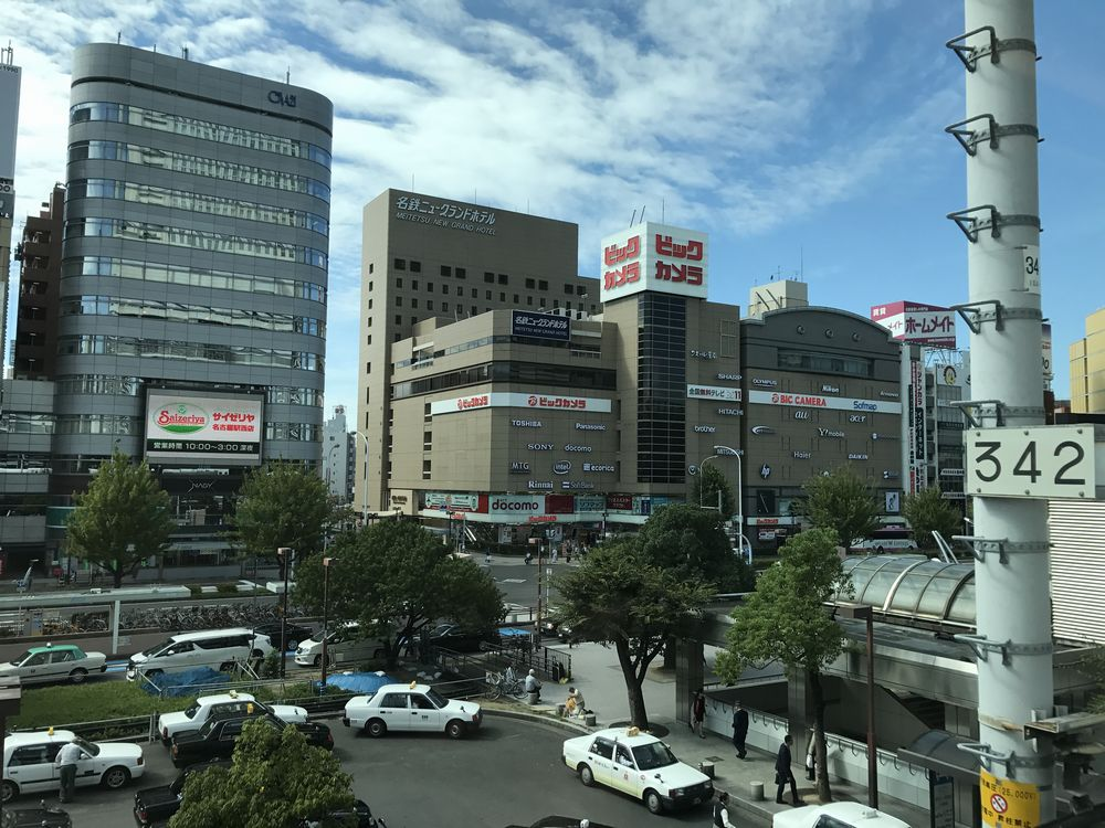 晴天の名古屋駅前