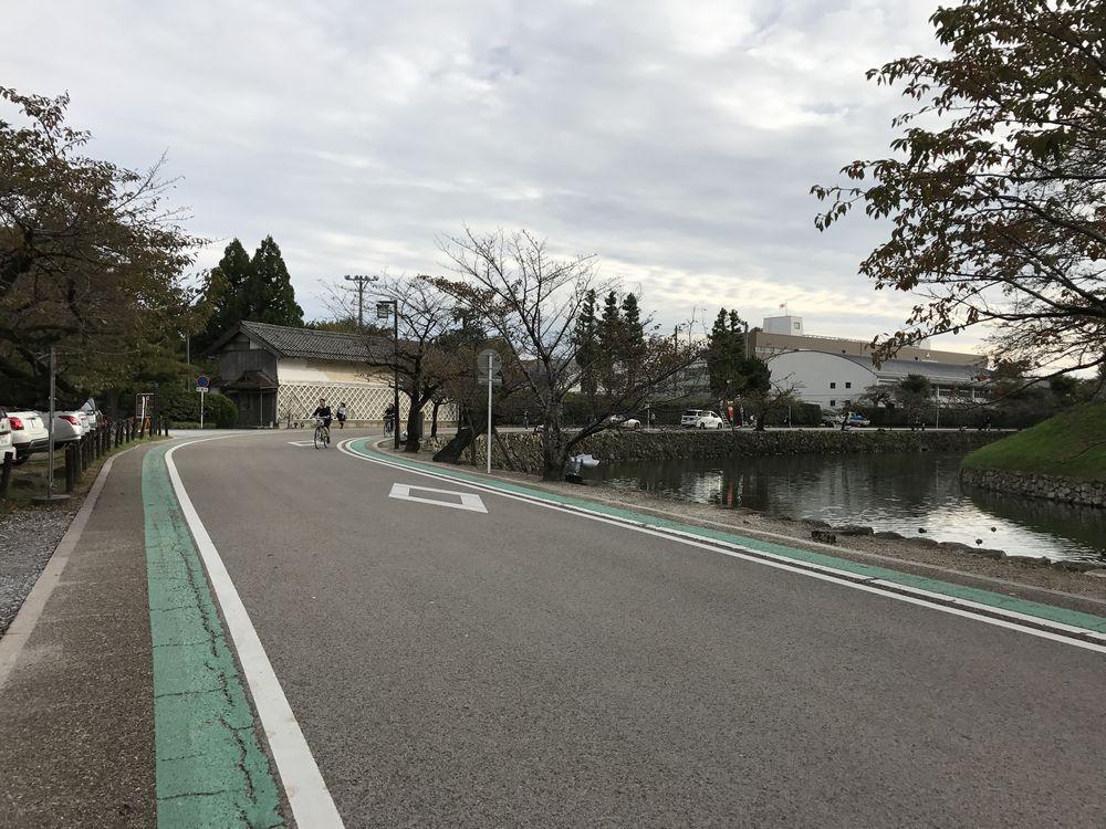 彦根城の内堀沿い散歩