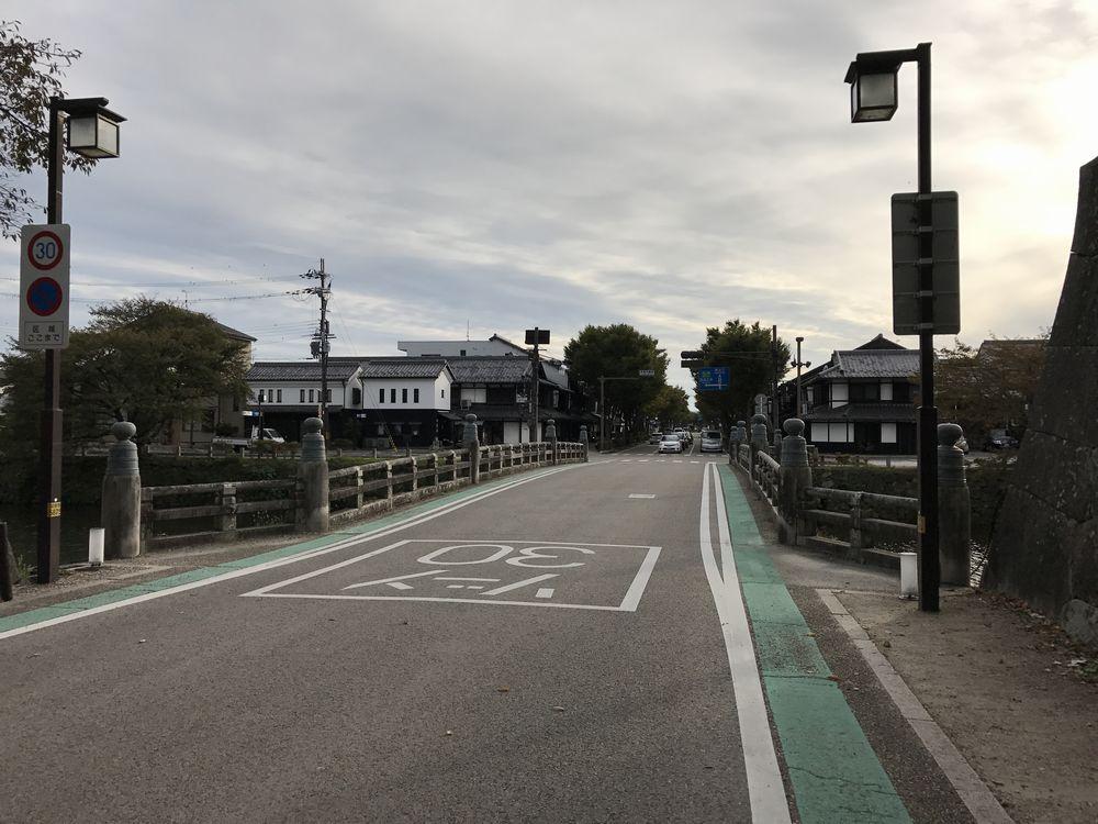 夢京橋キャッスルロード1