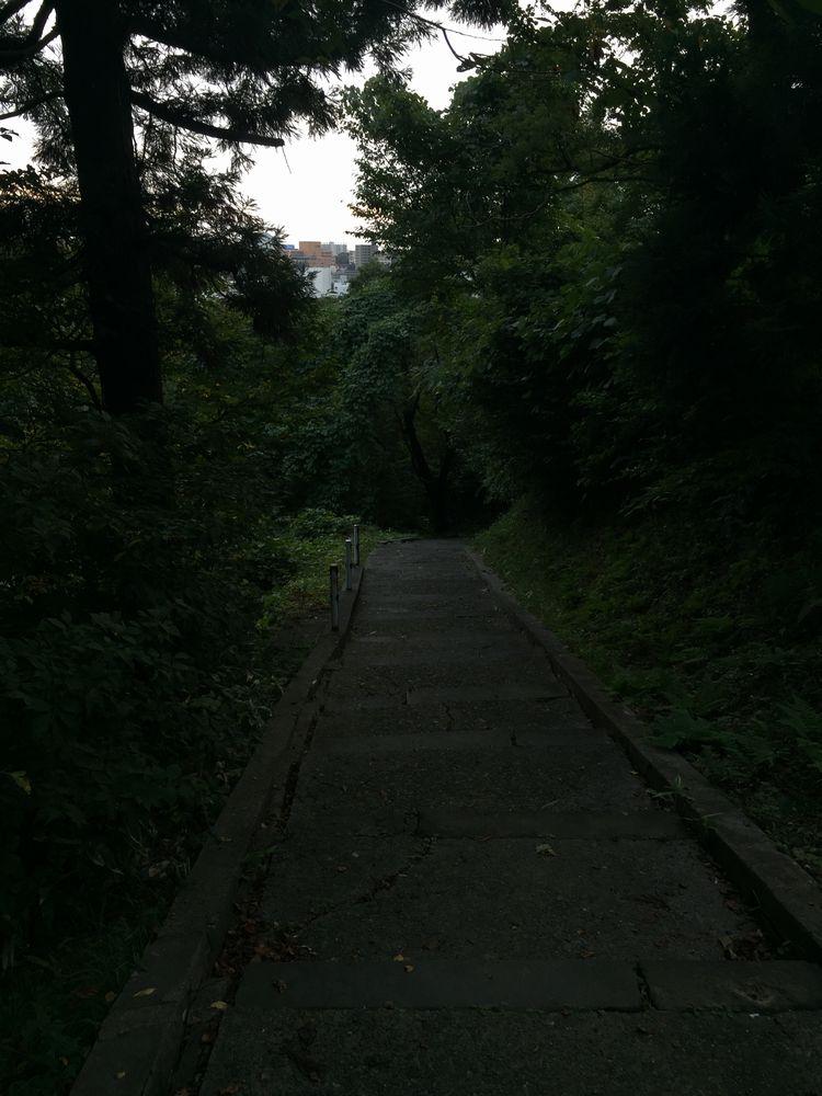 平田篤胤の墓の帰り道