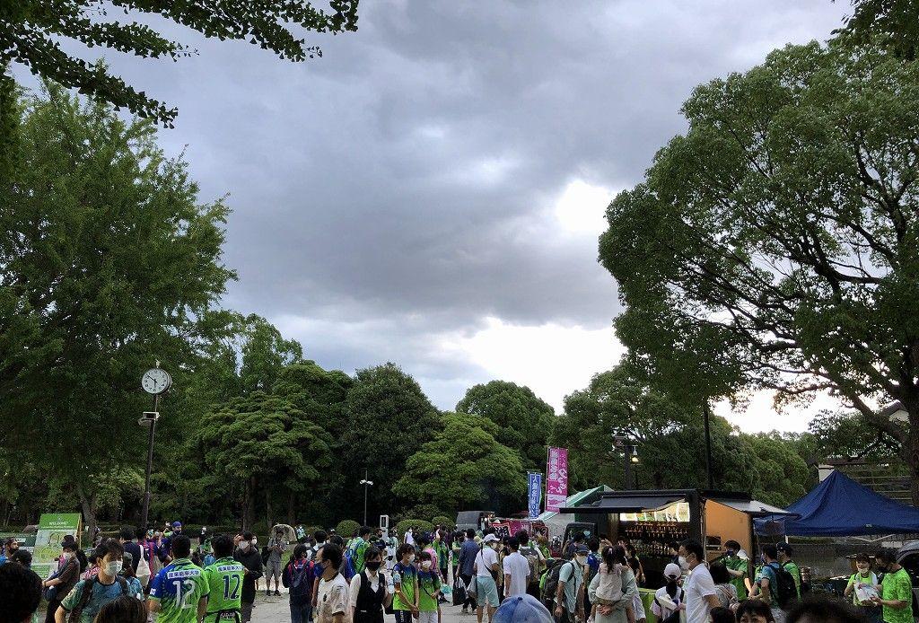 平塚のレモンガススタジアムのフードパーク1
