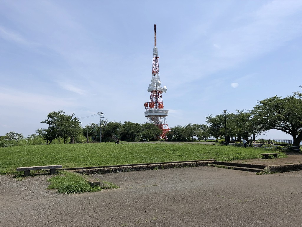 湘南平のテレビ塔1