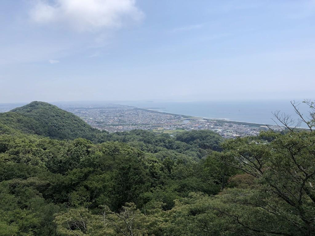 湘南平のテレビ塔から相模湾2