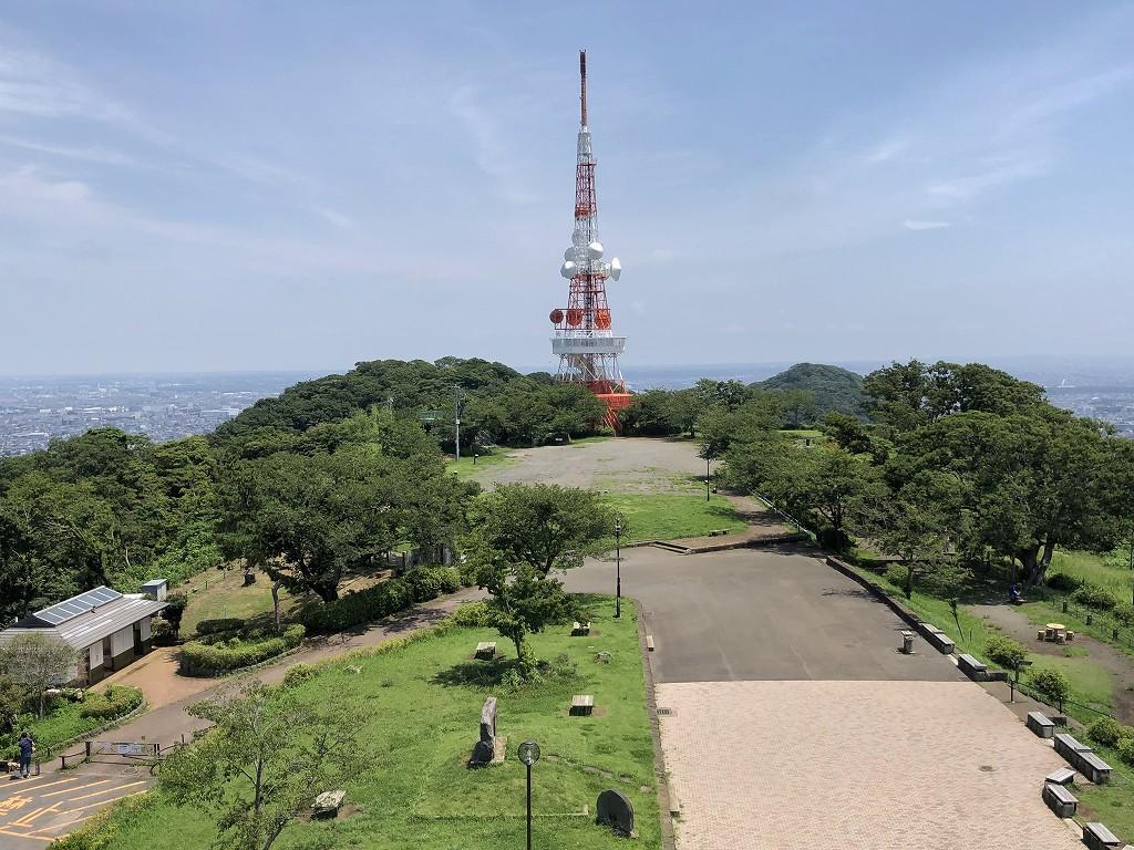 湘南平のレストハウスからテレビ塔と相模和1