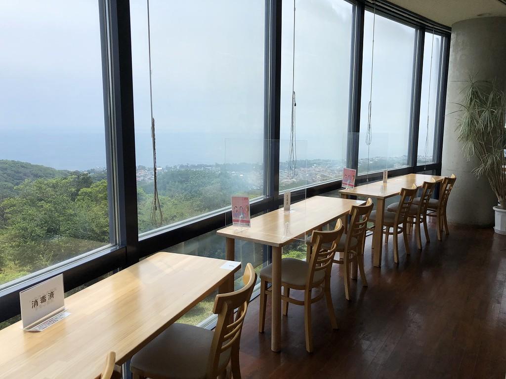 湘南平のレストハウスのレストラン1
