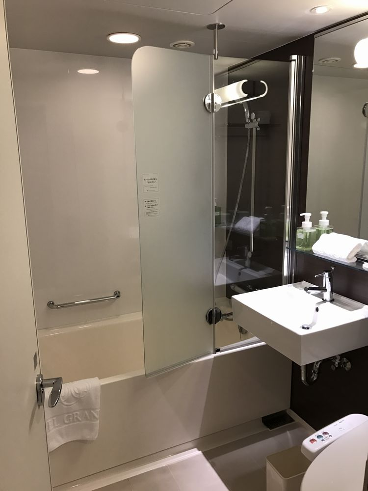 ホテルグランヴィア広島のスタンダードツインのバスルーム