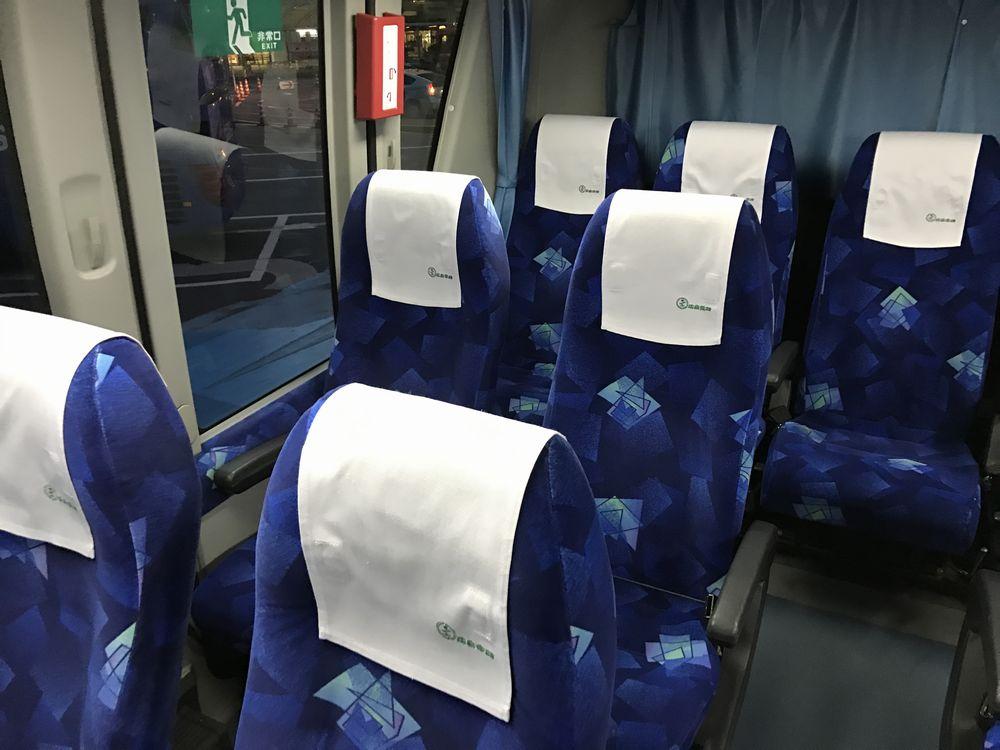 広島駅(新幹線口)から広島空港行きのシャトルバスの座席