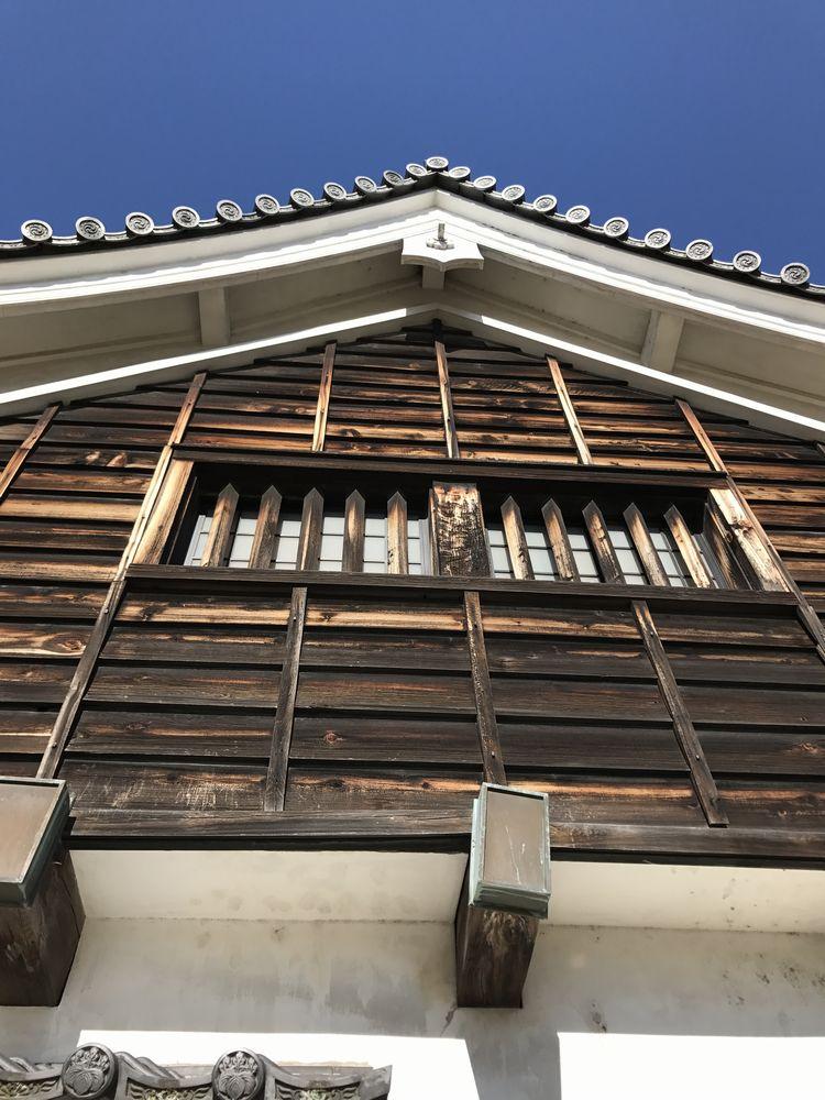 広島城の下見板張
