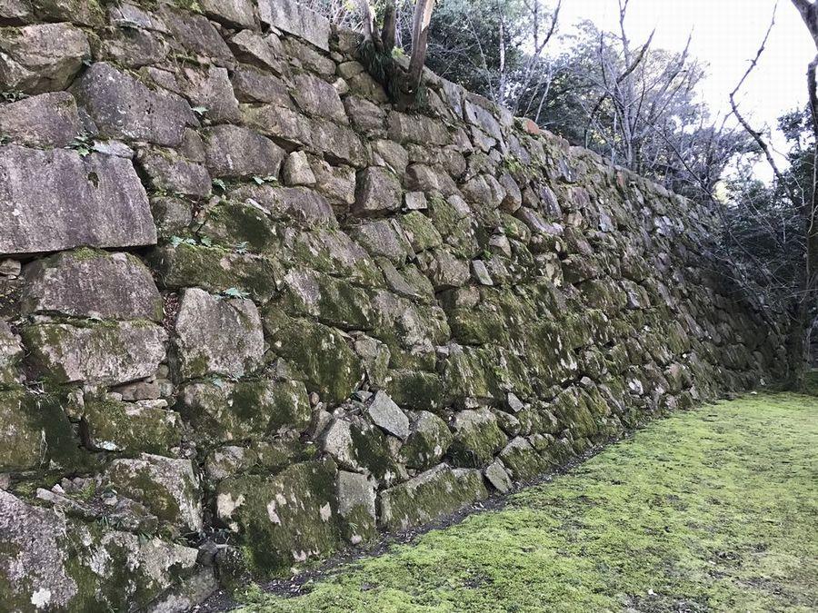 広島城の毛利輝元時代の野面積みの石垣