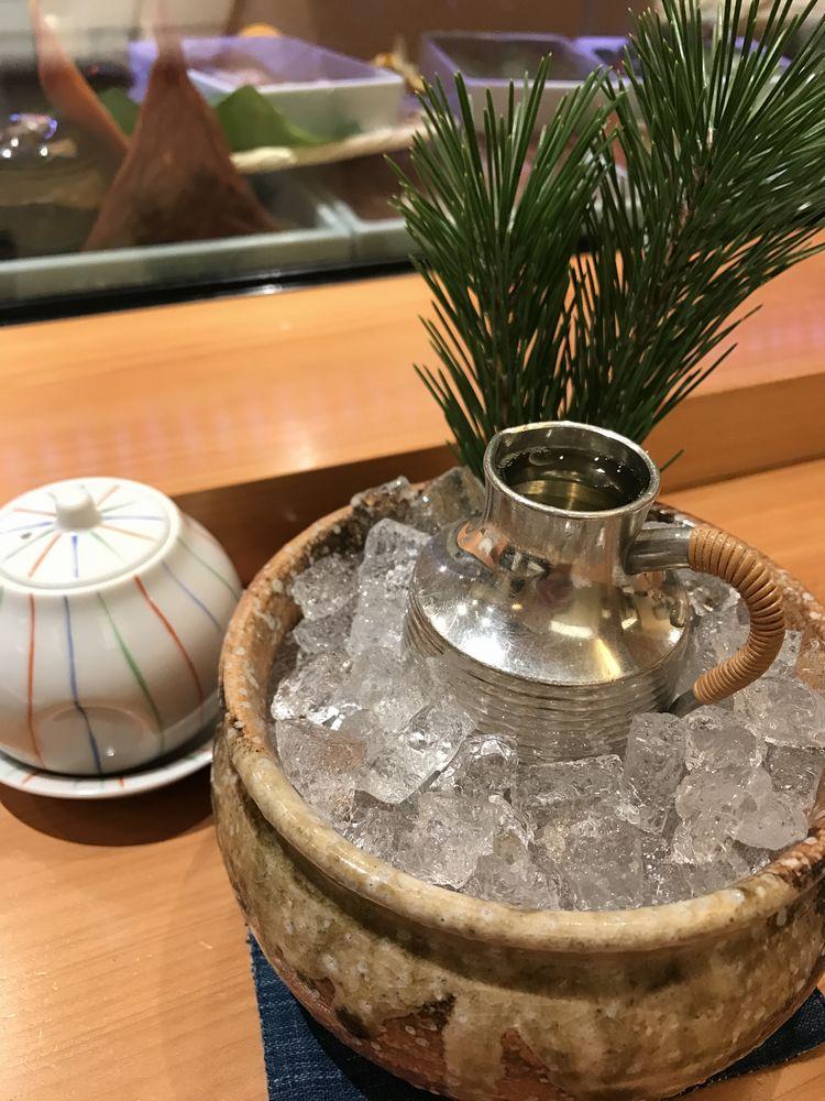 鮨処ひと志の「幻 黒」純米大吟醸