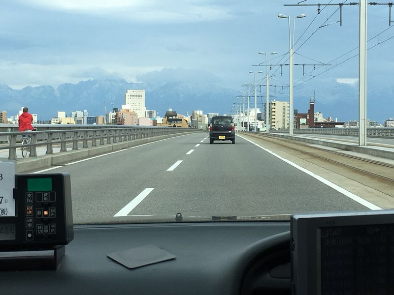 新大橋から立山連峰