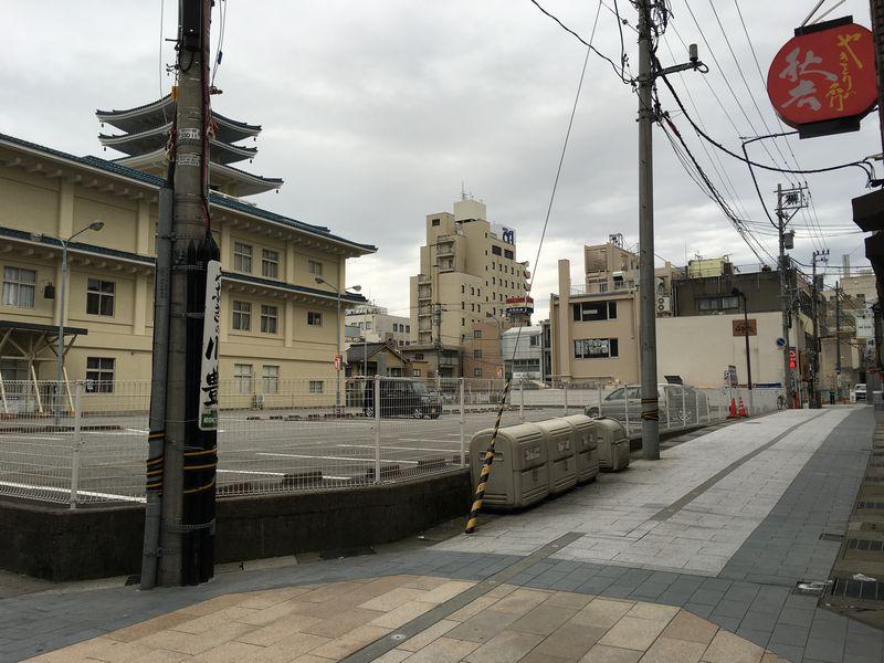 本願寺富山西別院の一段高い敷地