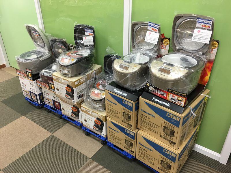 富山空港のおみやげ屋の炊飯器