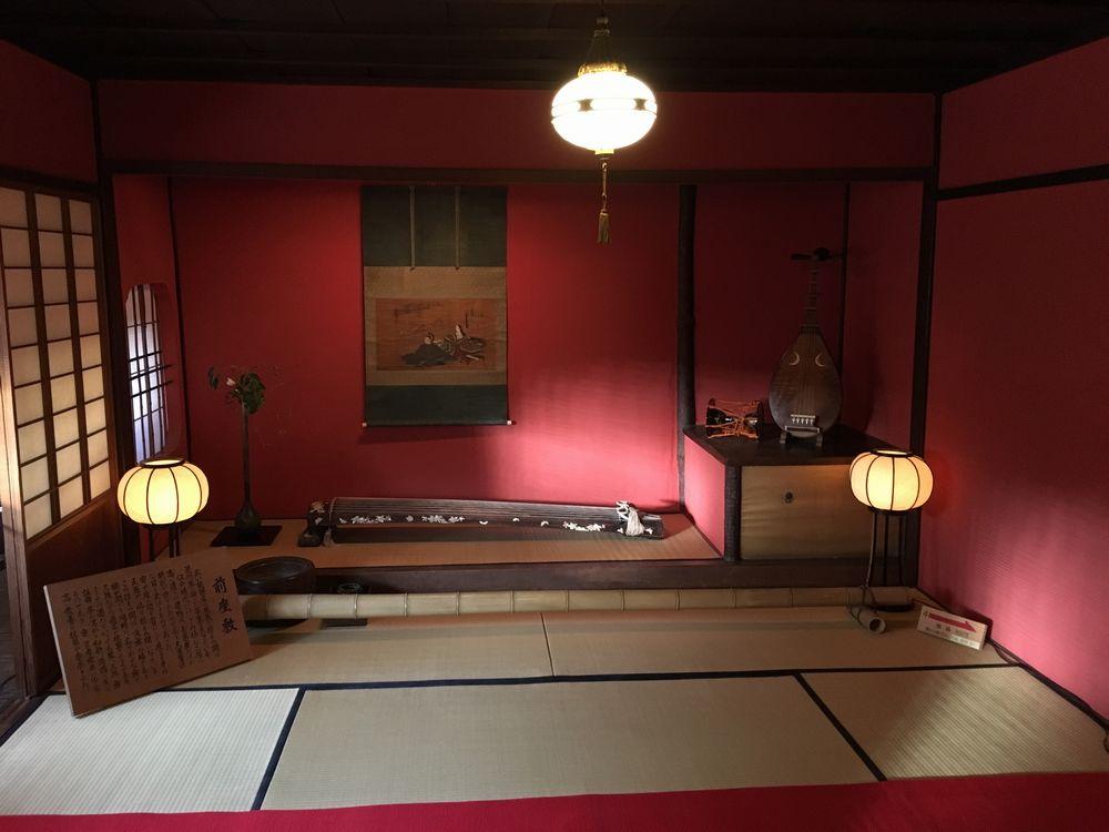 金沢のひがし茶屋街の志摩の前座敷