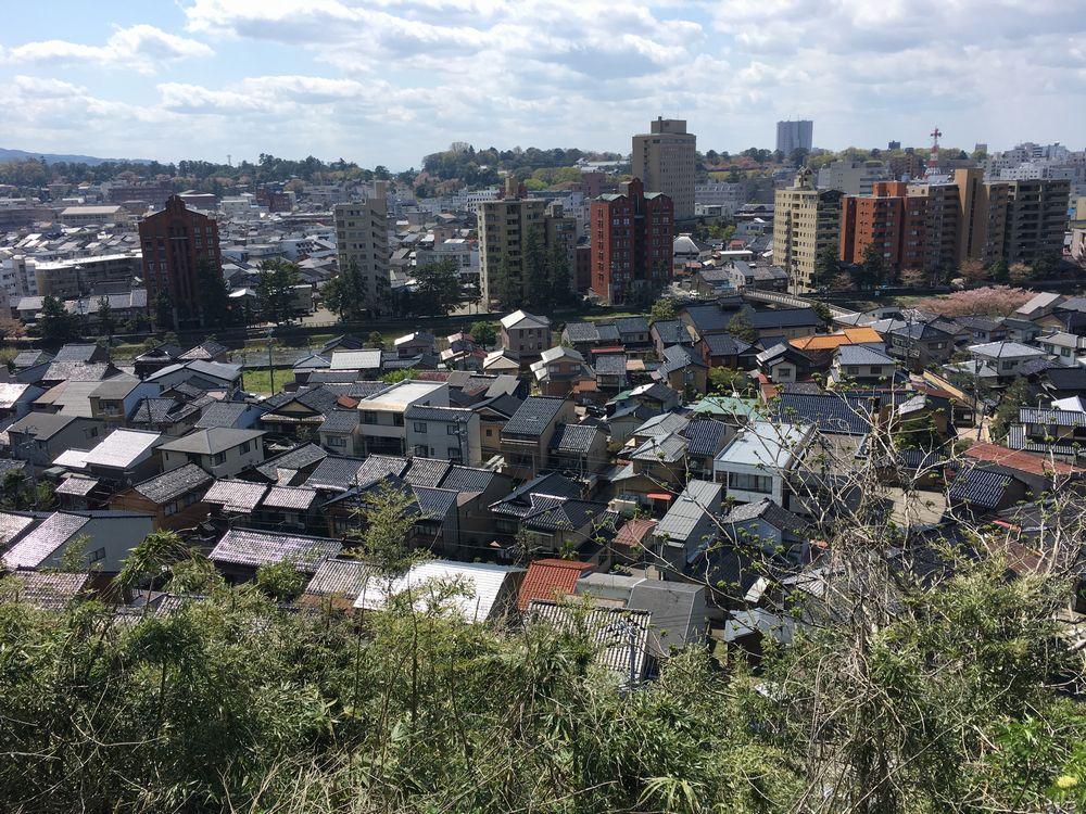 宝泉寺から金沢城方面
