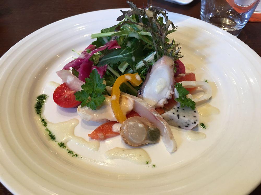 金沢のエリタージュの海鮮サラダ