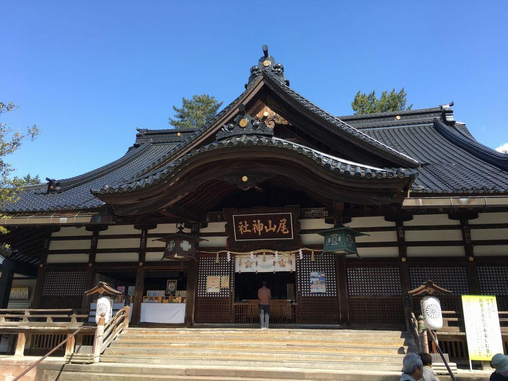 尾山神社の拝殿