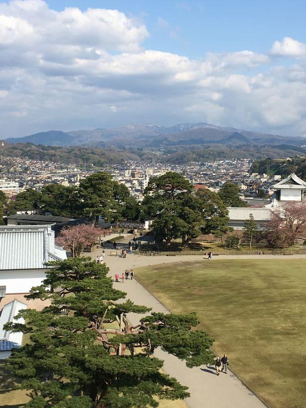 金沢城公園の菱櫓からの景色