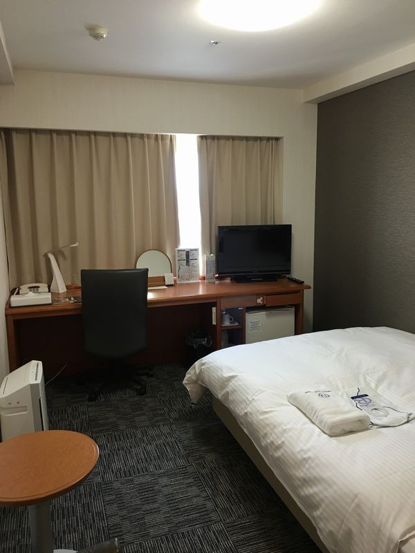 ダイワロイネットホテル富山の禁煙シングルの窓側