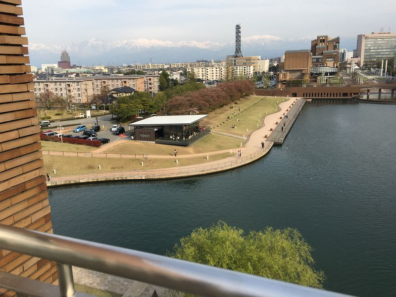 天門橋の展望塔から立山連峰
