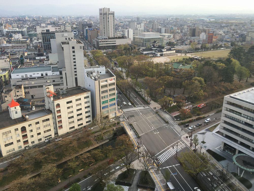富山市役所の展望台から富山城