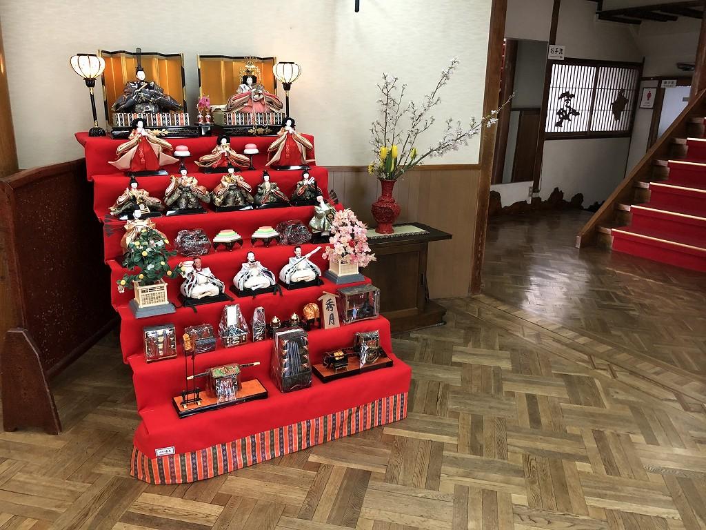 鳳明館森川別館の雛人形