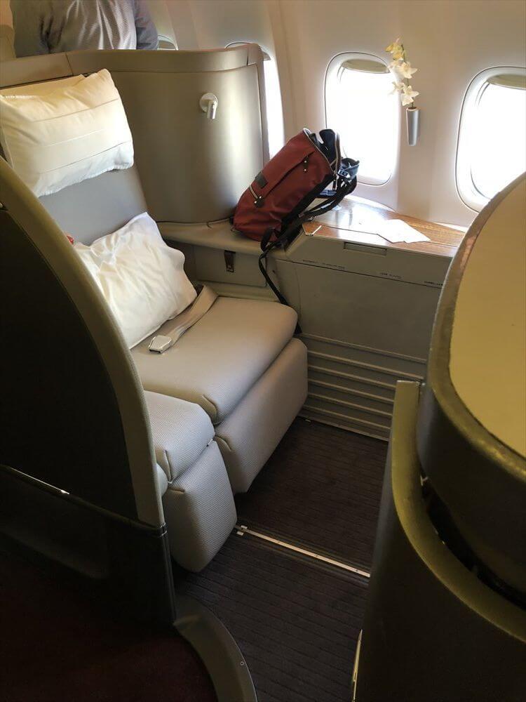 キャセイパシフィック航空(CX549)のファーストクラス座席1