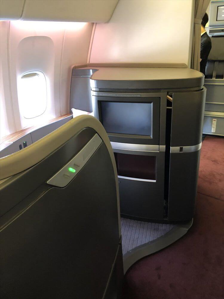 キャセイパシフィック航空(CX549)のファーストクラス座席2