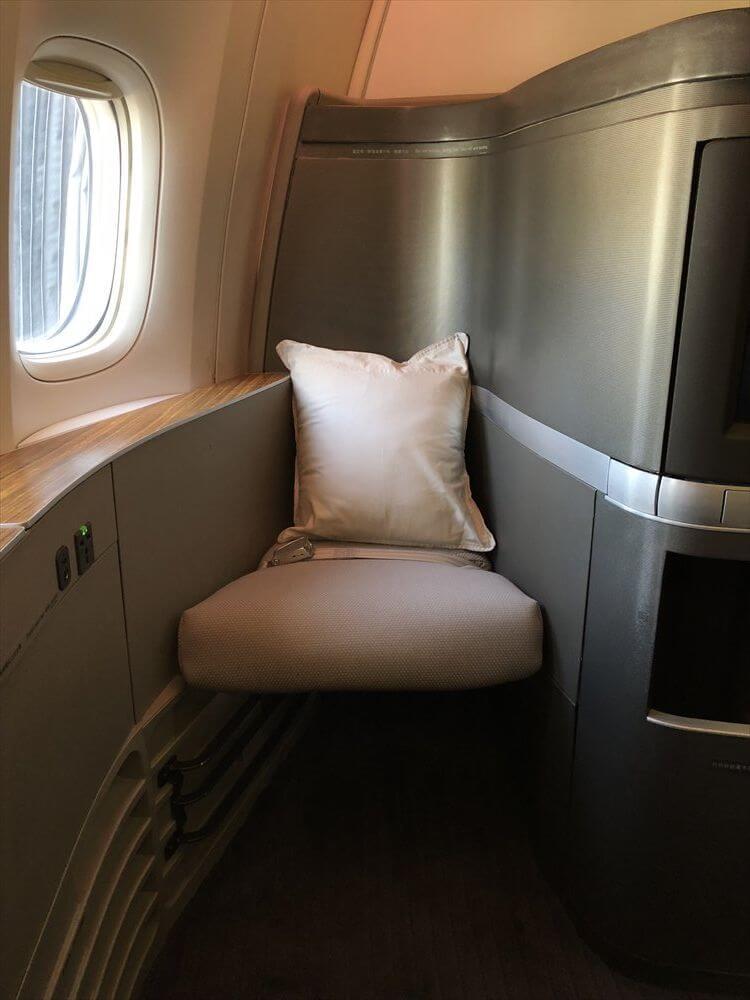 キャセイパシフィック航空(CX549)のファーストクラス座席3