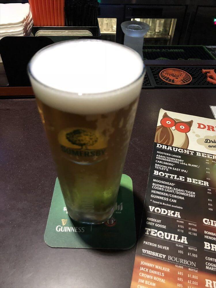 香港のフーターズのビール