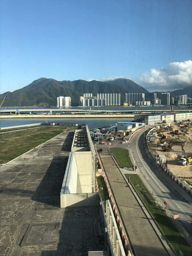 香港スカイシティマリオットホテルのエグゼクティブ オーシャンビュー・スイートからの眺め1