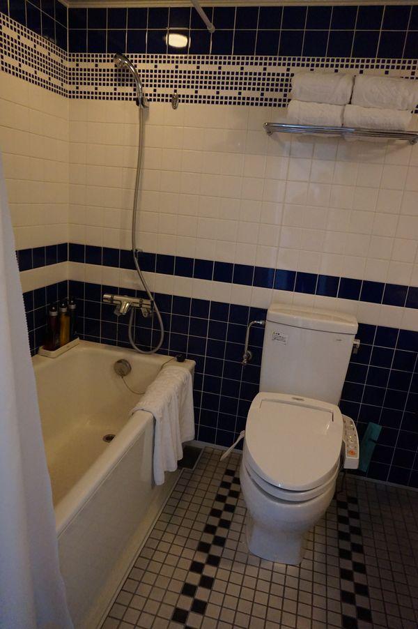ホテルモントレエーデルホフ札幌デラックスコーナーツインルームバスルーム画像