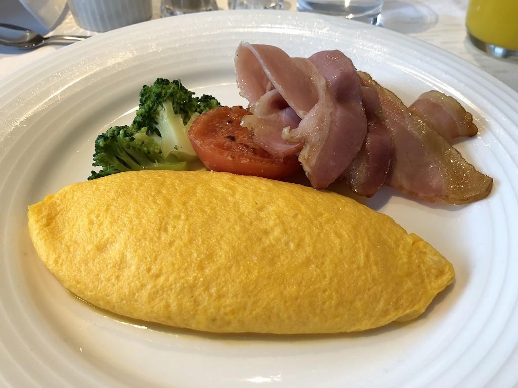 ホテルニューオータニのインルームダイニングの朝食2