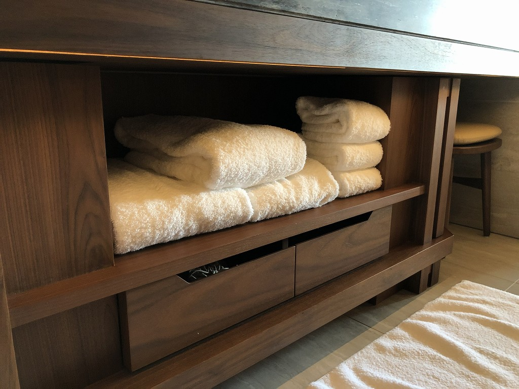 HOTEL THE MITSUI KYOTOのプレミアガーデンビュールームの水回りの大理石3