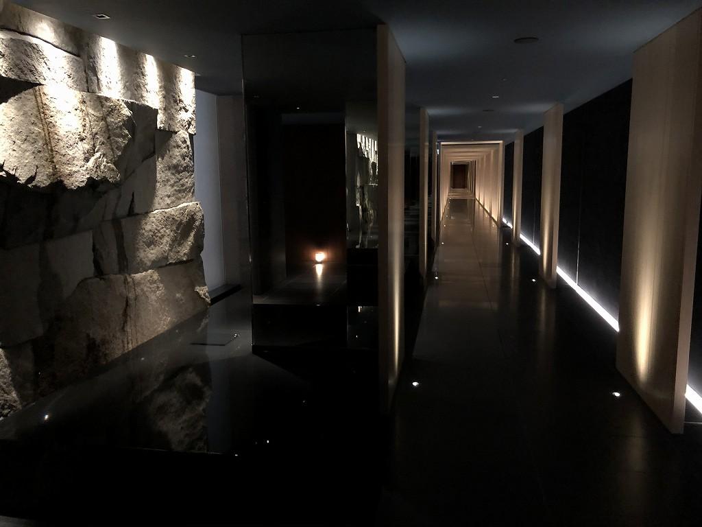 HOTEL THE MITSUI KYOTOのサーマルスプリングに繋がる廊下1
