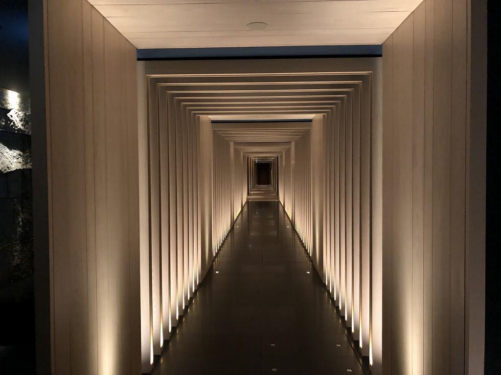 HOTEL THE MITSUI KYOTOのサーマルスプリングに繋がる廊下2