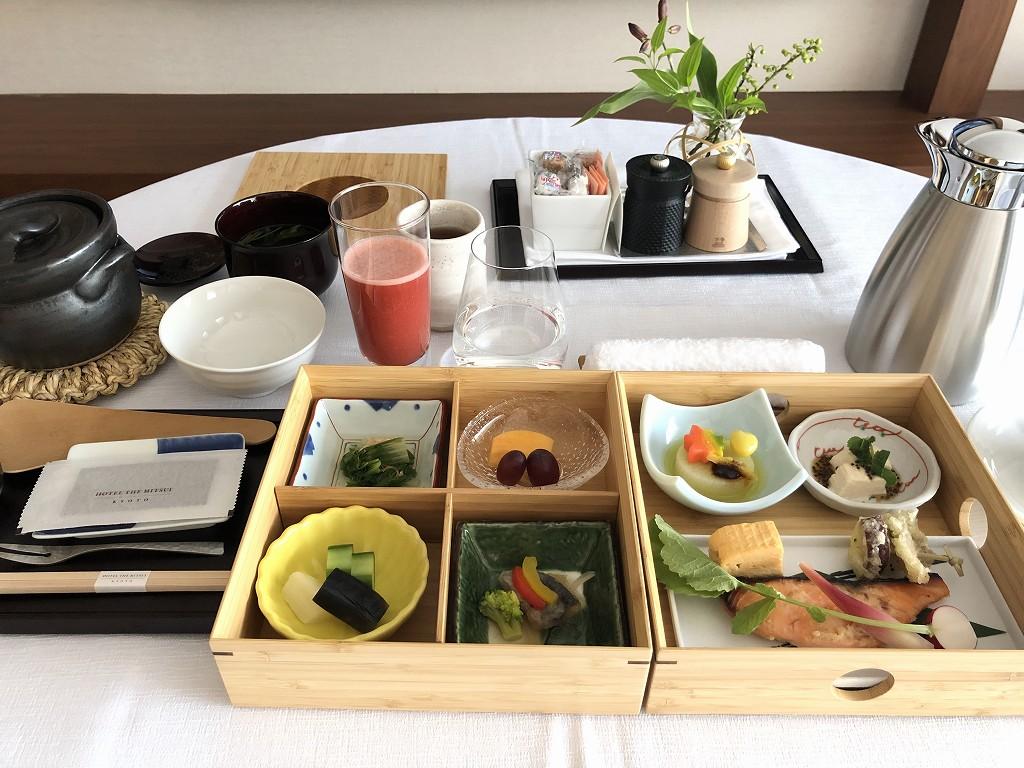 HOTEL THE MITSUI KYOTOのインルームダイニングで朝食(和食)1
